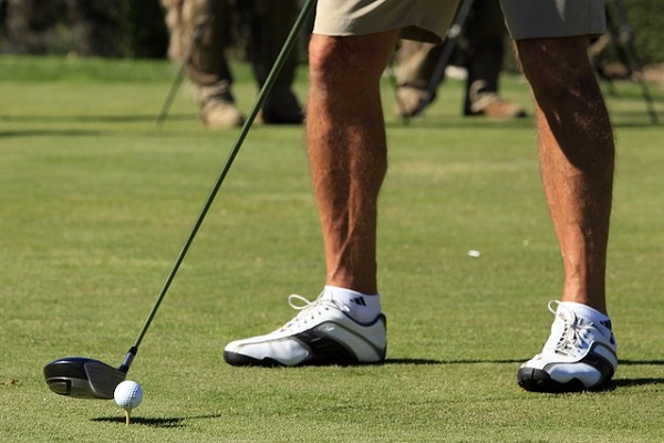 Where To Position Your Feet When Teeing Off
